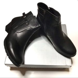 "Cloudwalkers ""Lynn"" black side-zip ankle boots"